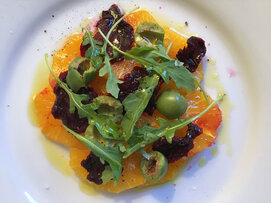 Arugula salad with dehydrated beets