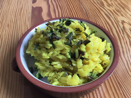 Yellow rice with dehydrated broccoli
